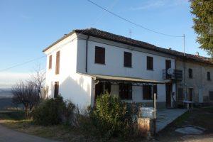 014 – Cascinale in vendita a Santo Stefano Belbo, Fraz. Valdivilla