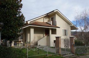 045- Villa in vendita a Santo Stefano Belbo