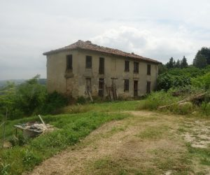031 – Rural house on sale in Canelli