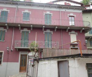 032 – Prestigious building on sale in Canelli