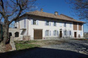 059 – Casa di campagna in vendita a Canelli