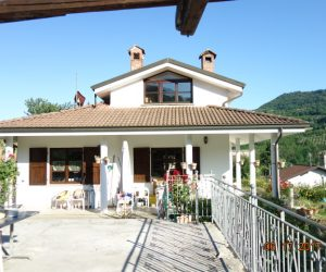 (Italiano) 021 – Villa in vendita a Cortemilia