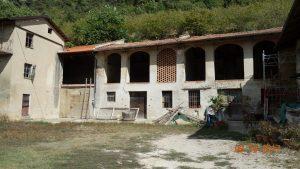 040 – Rustico/azienda agricola in vendita a Lequio Berria