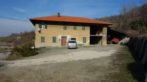 020 – Rustico in vendita a Santo Stefano Belbo