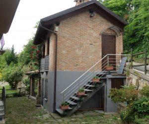 (Italiano) 019 – Rustico in vendita a Santo Stefano Belbo