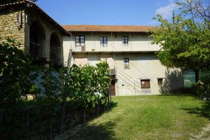 033 – Country house on sale in Rocchetta Belbo