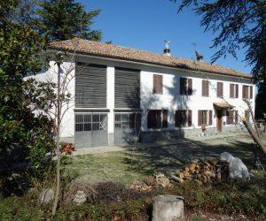 018 – Casale in vendita a San Marzano Oliveto