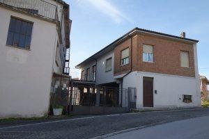 049 – Immobile in vendita Castiglione Tinella