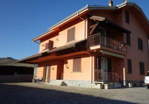 065 – Villa in vendita a Canelli