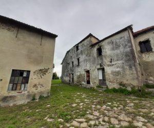 080 – Rustici in vendita a Loazzolo