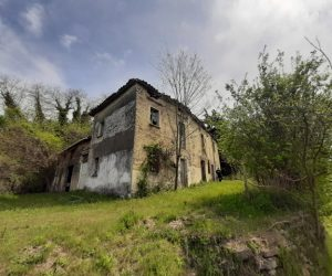 092 – Rustic houses on sales in Cassinasco