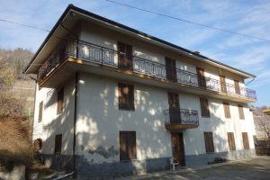 052 – Casale in vendita a Santo Stefano Belbo